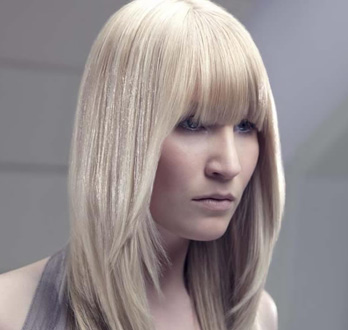 Sleek and Straight Hairstyle by EIDEAL™