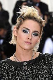 Kristen-Stewart-Makeup-Hair-Met-Gala-2016