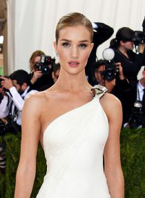 rosiehuntington-whiteleygettyimages-527337934_2